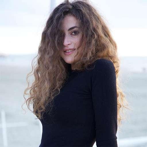 Alessandra Ravelli
